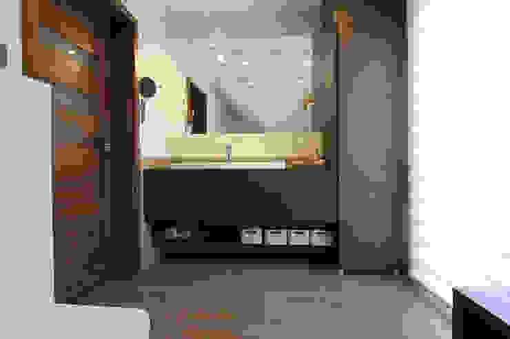 Modern Bathroom by Architektura Wnętrz Magdalena Sidor Modern