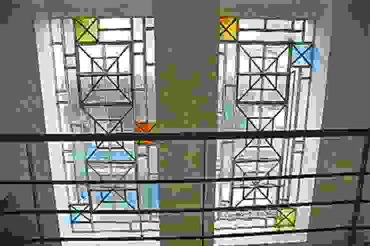Santiago del Estero 623 – Buenos Aires Balcones y terrazas modernos: Ideas, imágenes y decoración de Arquitecta Mercedes Rillo Moderno