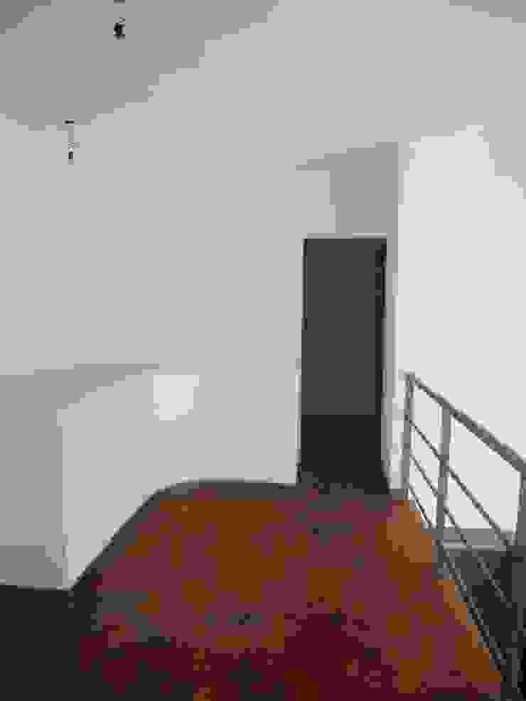 Santiago del Estero 623 – Buenos Aires Puertas y ventanas modernas de Arquitecta Mercedes Rillo Moderno