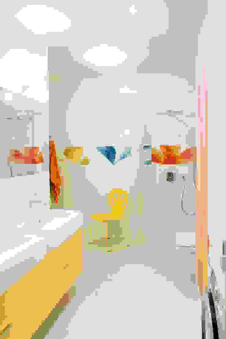 Łazienka z motywem kwiatowym Nowoczesna łazienka od deco chata Nowoczesny