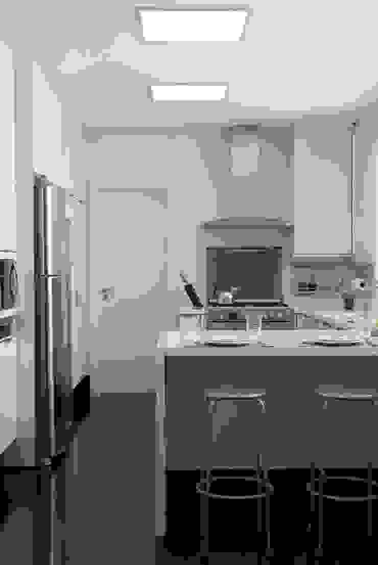 Apartamento Higienópolis 3 Cozinhas modernas por Marcelo Rosset Arquitetura Moderno