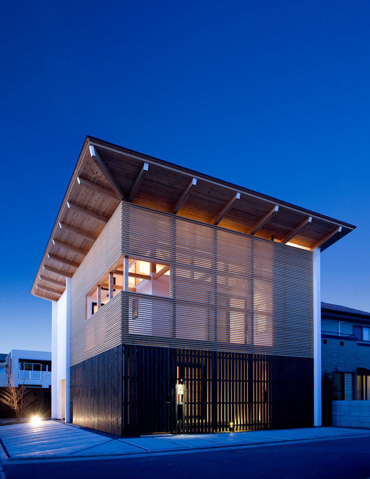 Casas de estilo asiático de 髙岡建築研究室 Asiático Madera Acabado en madera