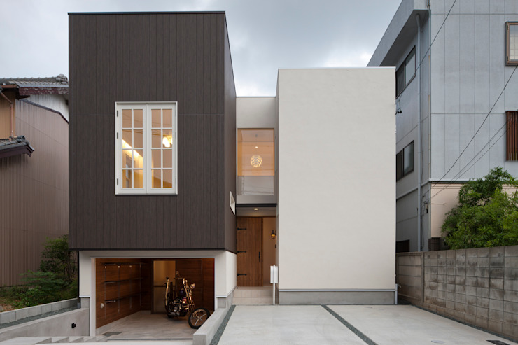 TTAA/ 高木達之建築設計事務所 Casas modernas