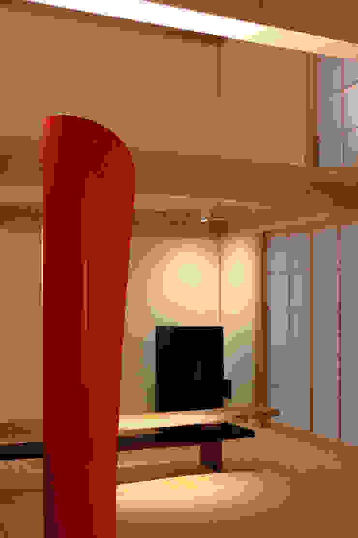 higashinagato house 和風デザインの リビング の 髙岡建築研究室 和風
