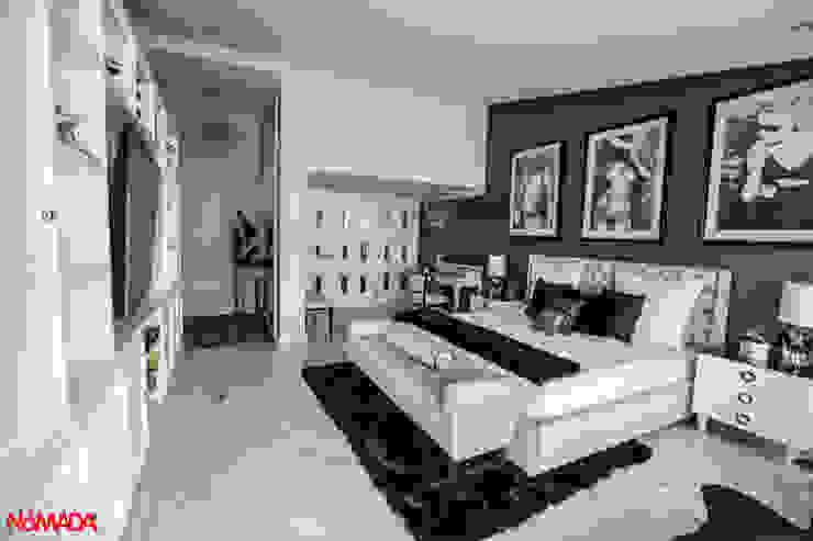 Casa Bosques de las Lomas, México Distrito Federal Dormitorios modernos de Nómada Studio Moderno Mármol