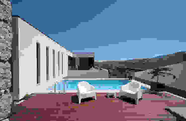 Pool by 3H _ Hugo Igrejas Arquitectos, Lda, Minimalist