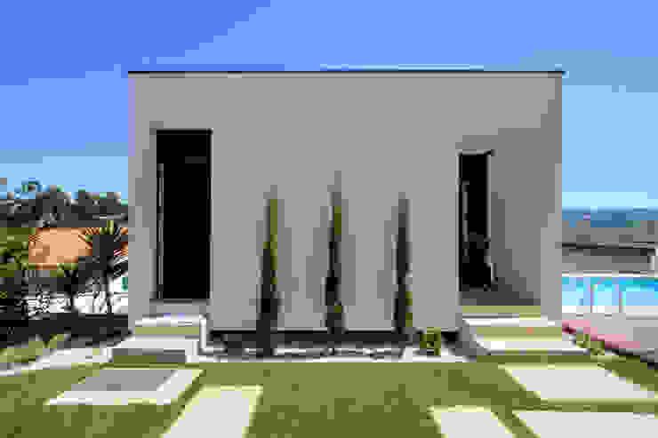 ミニマルな 家 の 3H _ Hugo Igrejas Arquitectos, Lda ミニマル