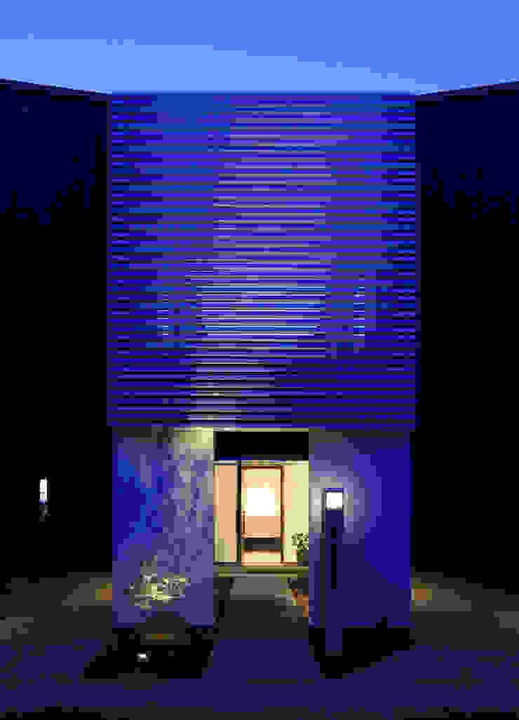higashino house モダンな 家 の 髙岡建築研究室 モダン