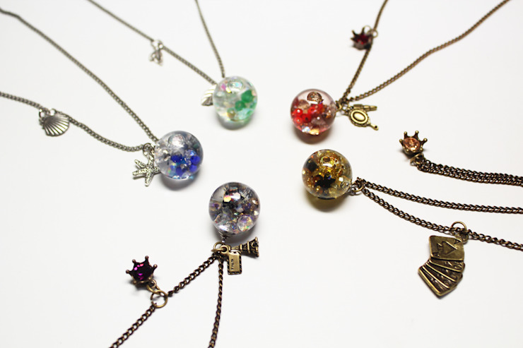 Luvin Waterball Necklace: luvinball의 현대 ,모던 유리