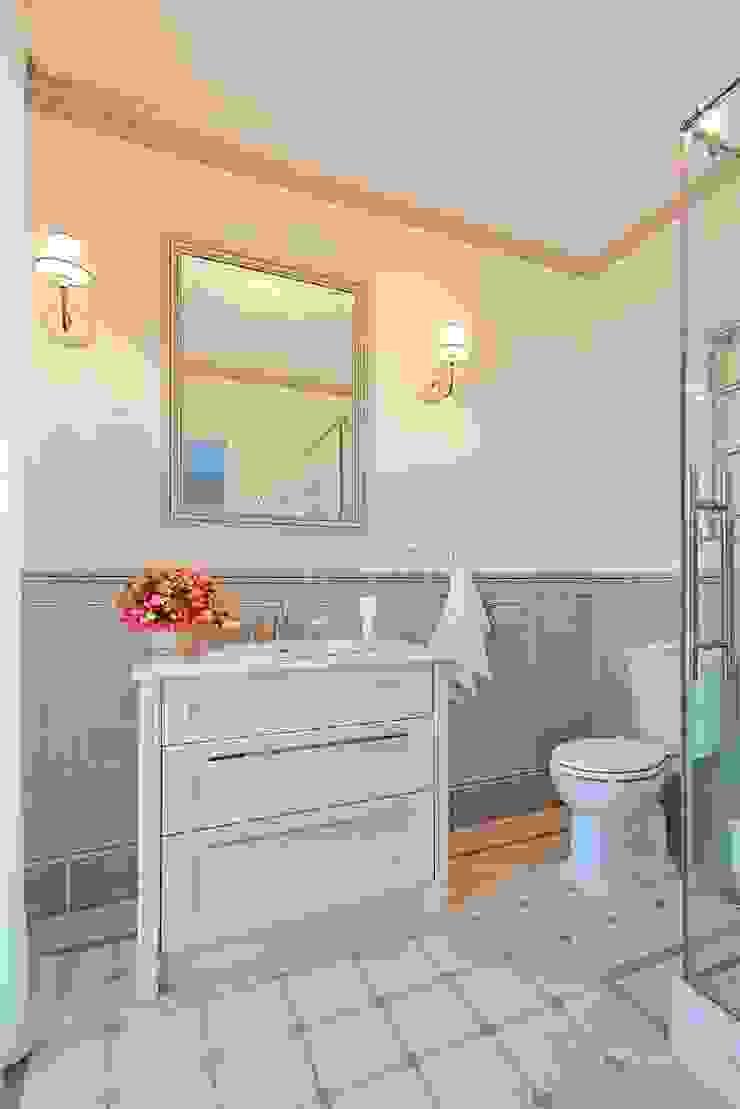Душевая комната Ванная в классическом стиле от ODEL Классический Керамика