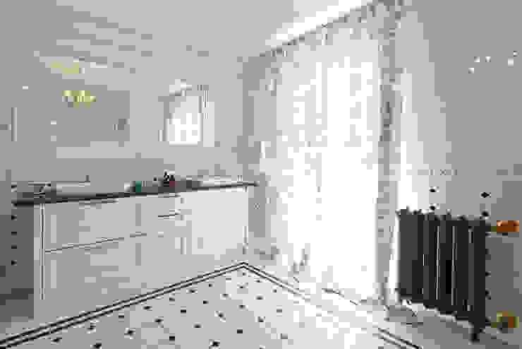 Ванная комната Ванная в классическом стиле от ODEL Классический Керамика