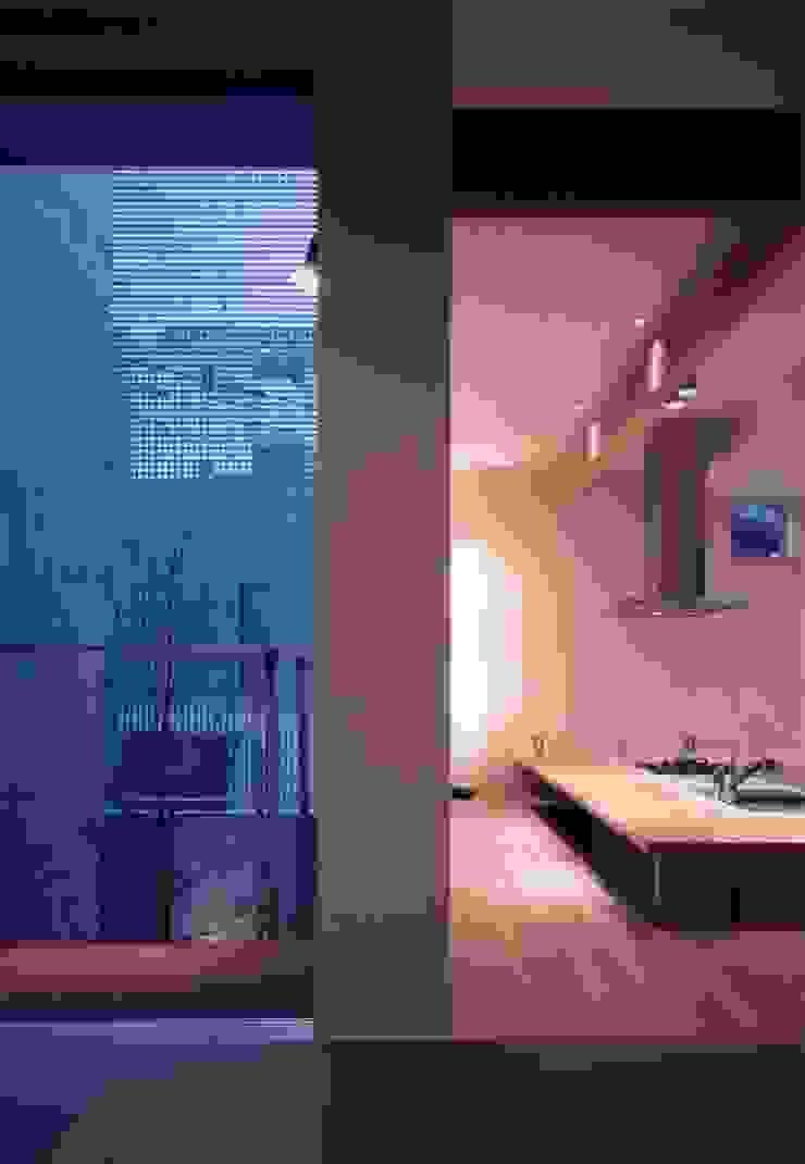 midorimachi house モダンデザインの ダイニング の 髙岡建築研究室 モダン