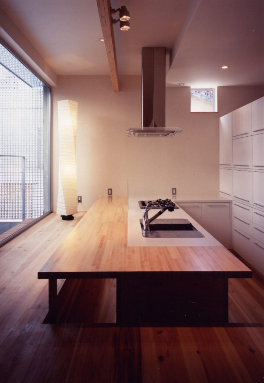 Cuisine moderne par 髙岡建築研究室 Moderne
