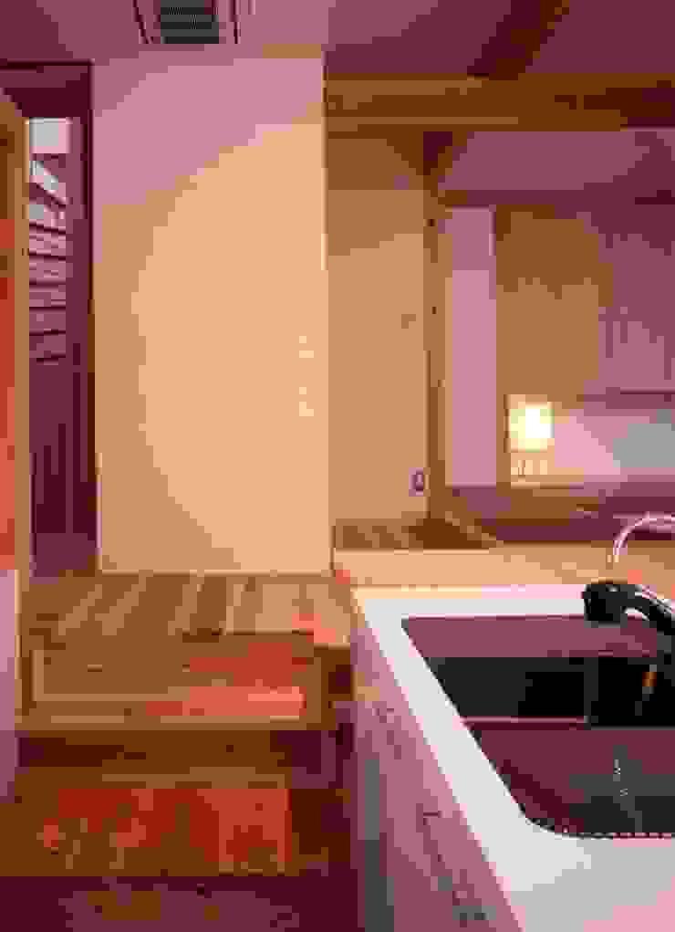 midorimachi house モダンな キッチン の 髙岡建築研究室 モダン