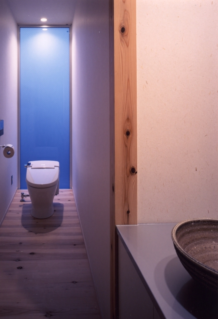 midorimachi house モダンスタイルの お風呂 の 髙岡建築研究室 モダン