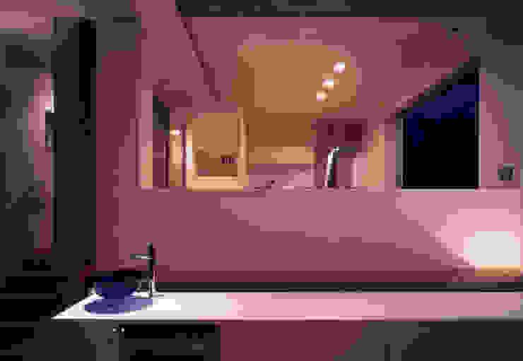 shimizumachi house モダンデザインの リビング の 髙岡建築研究室 モダン