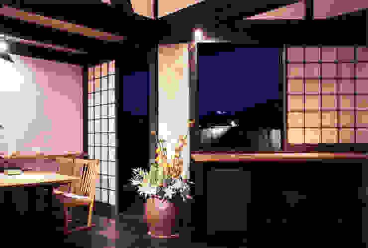 misawa house 和風デザインの リビング の 髙岡建築研究室 和風