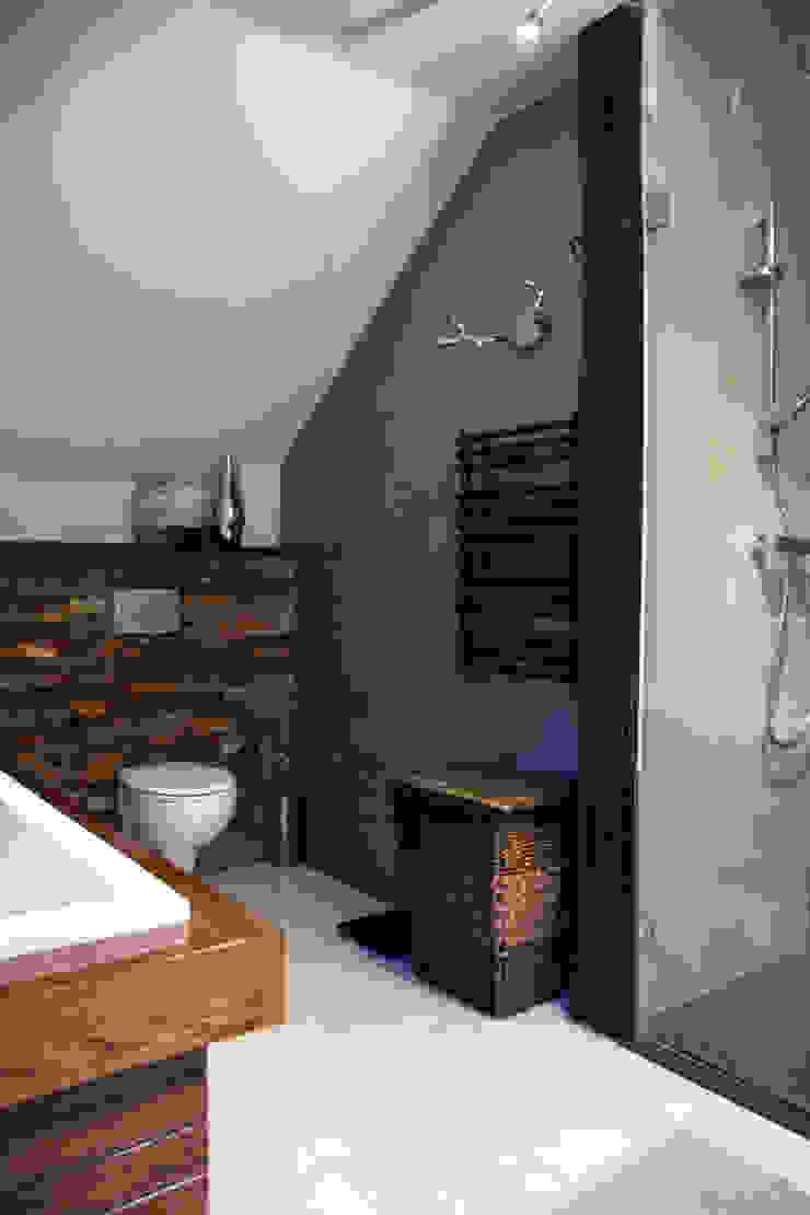 Modern bathroom by ER DESIGN Modern