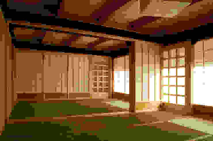 Las casas tradicionales japonesas son espléndida. Salas de estilo rural de アグラ設計室一級建築士事務所 agra design room Rural