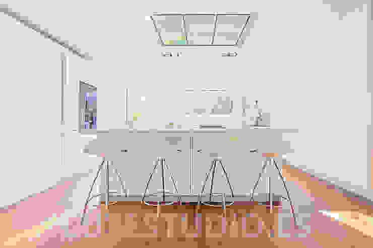 Salas de jantar modernas por Luzestudio - Fotografía de arquitectura e interiores Moderno