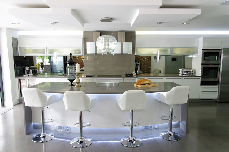 Kitchen by PTC Kitchens , Modern