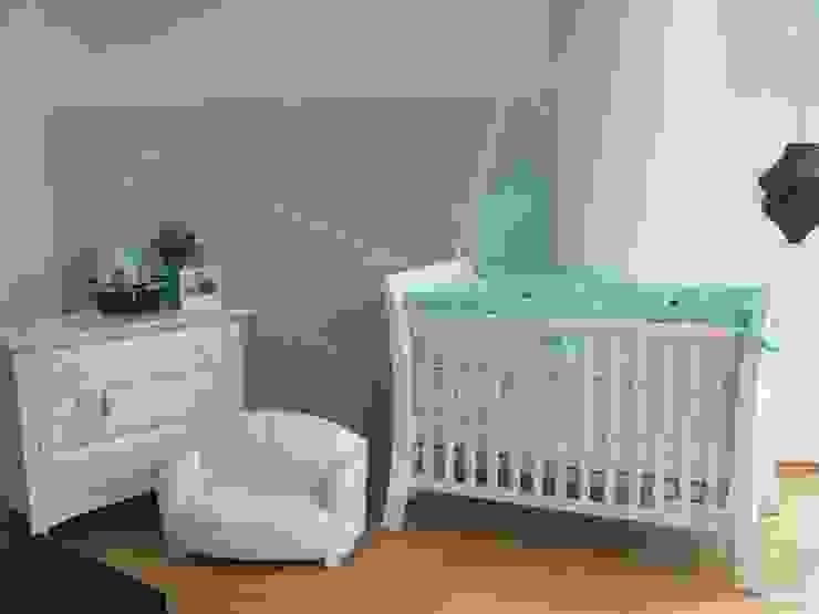 Más recámaras infantiles Dormitorios modernos de Paola Hernandez Studio Comfort Design Moderno