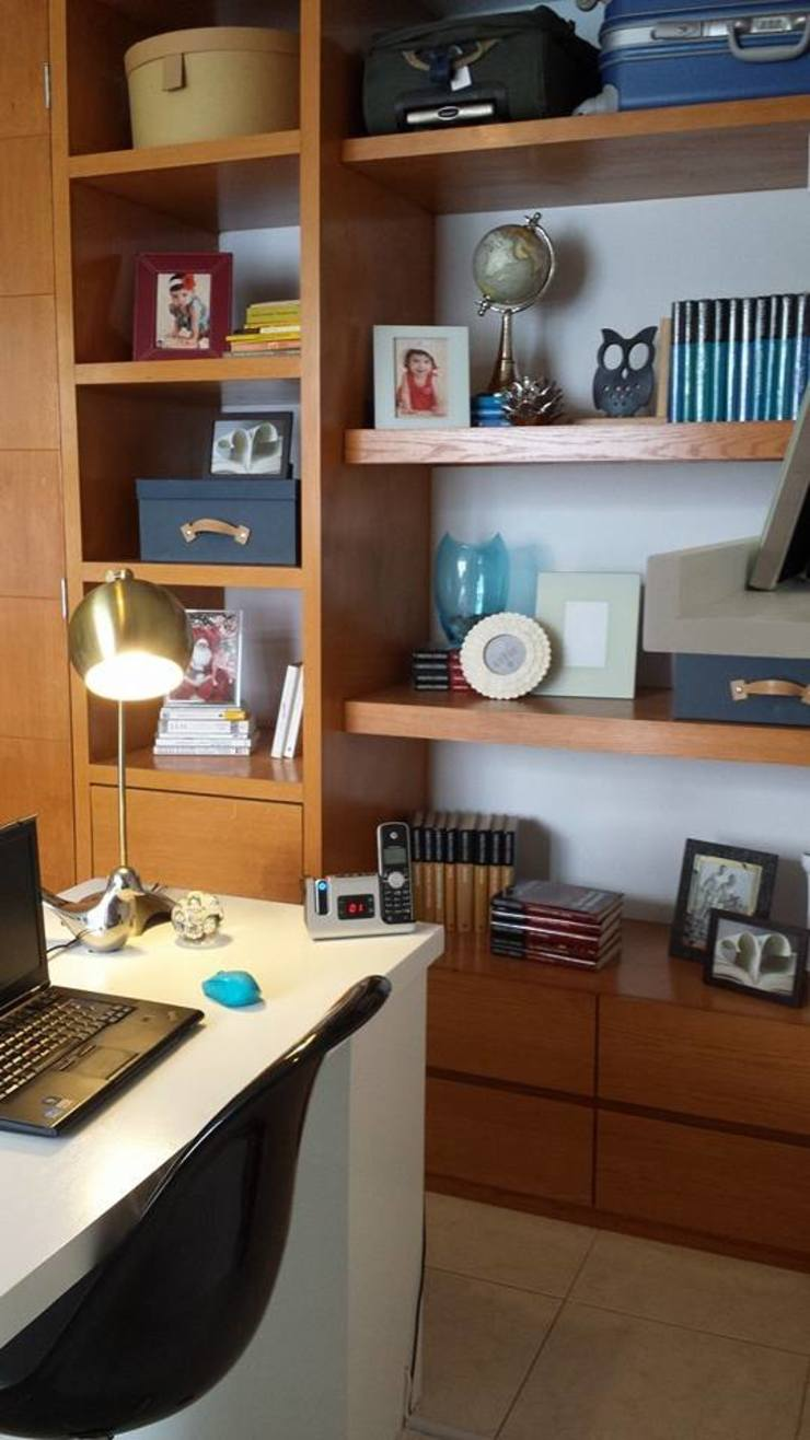 Escritórios modernos por Paola Hernandez Studio Comfort Design Moderno