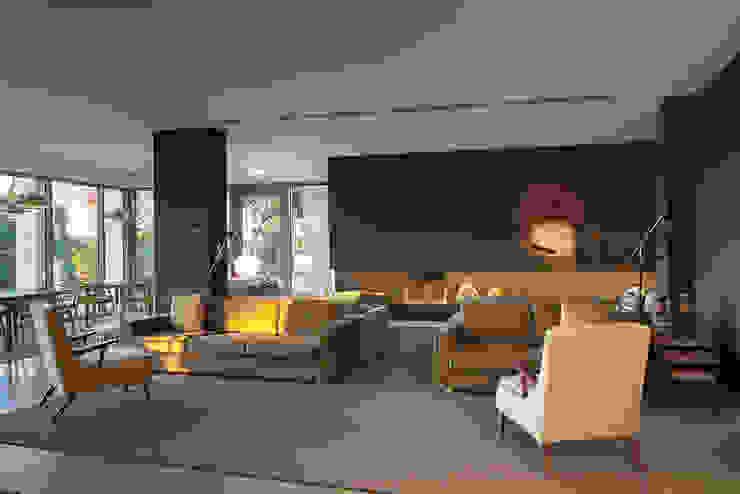 OZADI TAVIRA HOTEL REABILITAÇÃO E EXTENSÃO por CAMPOS COSTA ARQUITETOS Moderno