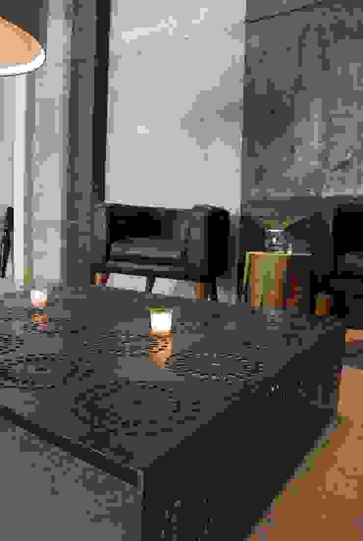 Mesa crochet:  de estilo industrial por Design + Concept, Industrial