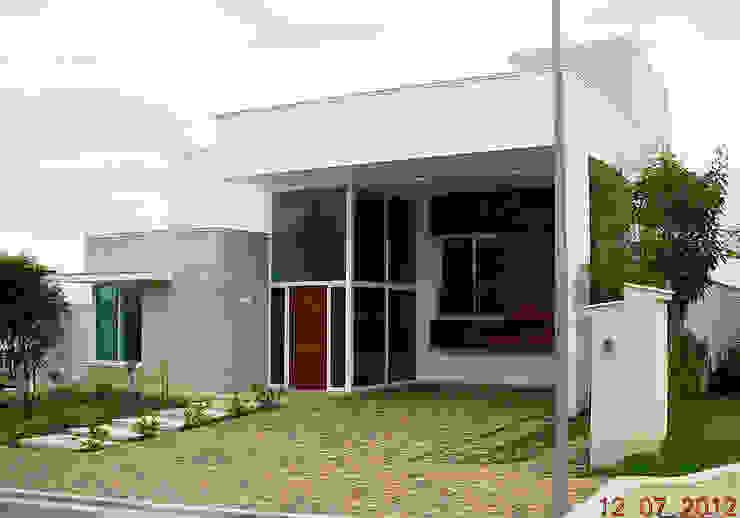 Condominio Alphaville Dom Pedro, Campinas Casas modernas por Vieitez Bernils Arquitetos Ltda. Moderno
