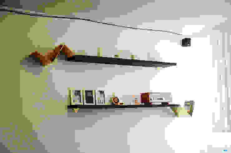 librero golden de Design + Concept Ecléctico