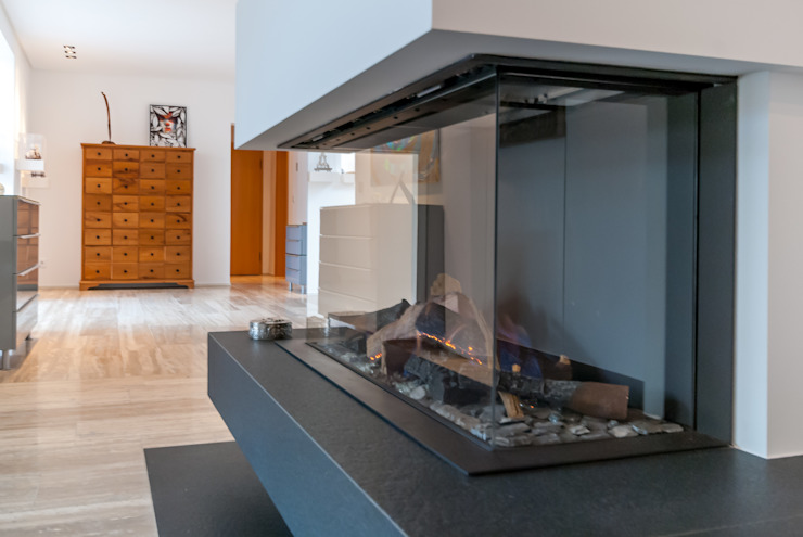 Classic style living room by INNEN LEBEN Classic Granite