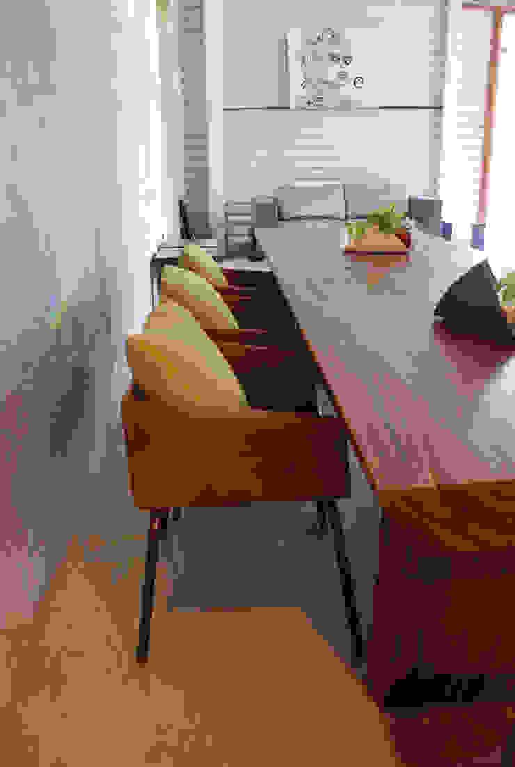 Silla squared:  de estilo industrial por Design + Concept, Industrial
