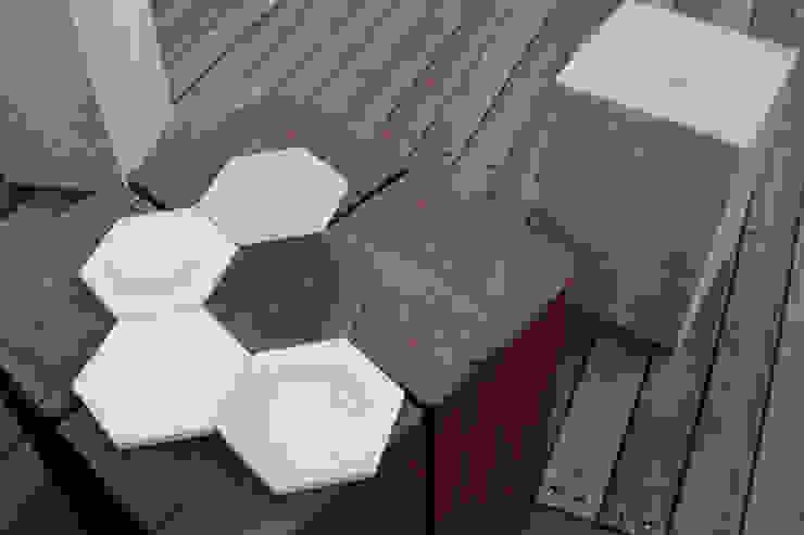 hexagon: dcrete의 현대 ,모던 타일