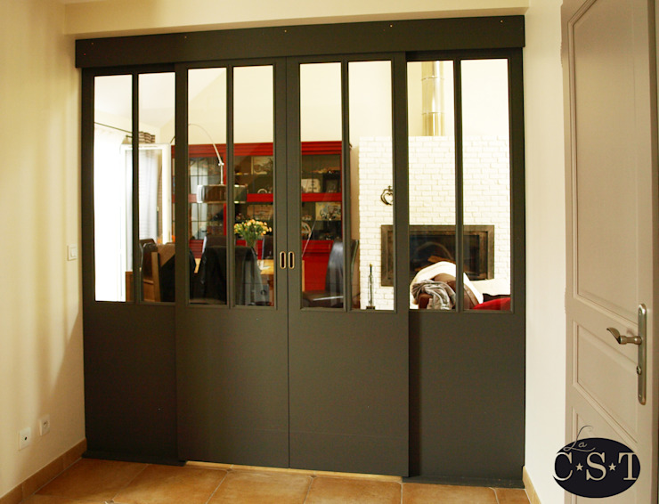 Une baie vitrée d'inspiration Industrielle... en bois! Fenêtres & Portes industrielles par La C.S.T Industriel