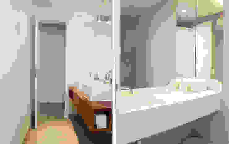 Casa da Barra Casas de banho modernas por blaanc Moderno