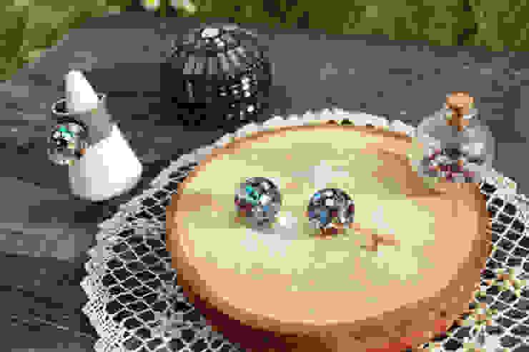 Luvin Waterball Accessoryㅡ2. Earring : luvinball의 현대 ,모던 유리