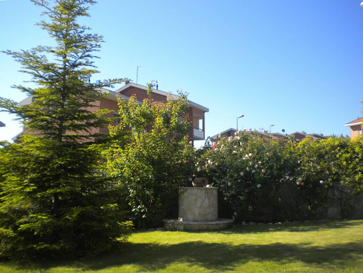 Villa con giardino Studio dt Arch&Art Giardino moderno