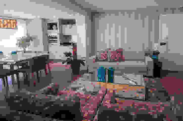 Apto bairro Saúde - SP Haus Brasil Arquitetura e Interiores Salas de estar modernas