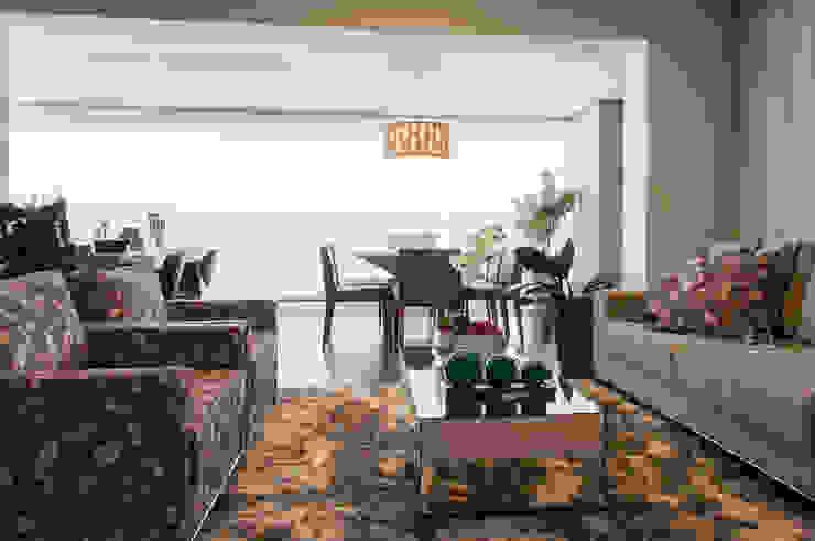 Salon moderne par Haus Brasil Arquitetura e Interiores Moderne