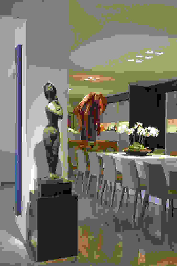 COBERTURA LOURDES Salas de jantar modernas por Cassio Gontijo Arquitetura e Decoração Moderno