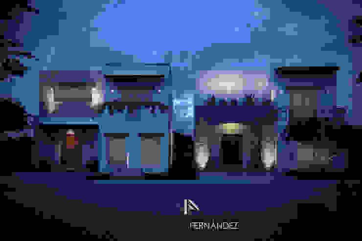 CASAS ZIRANDARO Casas coloniales de Villanueva Fernandez Arquitectos Colonial Piedra