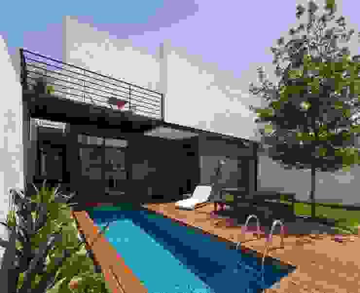 Modern Terrace by LGZ Taller de arquitectura Modern Wood Wood effect