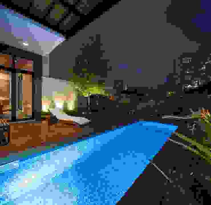Moderne Pools von LGZ Taller de arquitectura Modern Fliesen