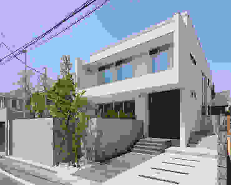 KNI邸 モダンな 家 の 株式会社岡部克哉建築設計事務所 モダン