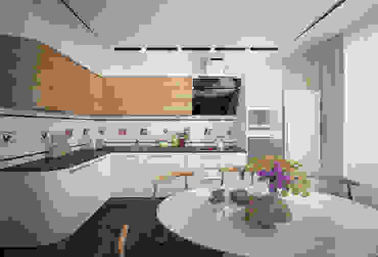 """Дизайн кухни-гостиной в современном стиле в ЖК """"Янтарный"""" Кухня в стиле модерн от Студия интерьерного дизайна happy.design Модерн"""
