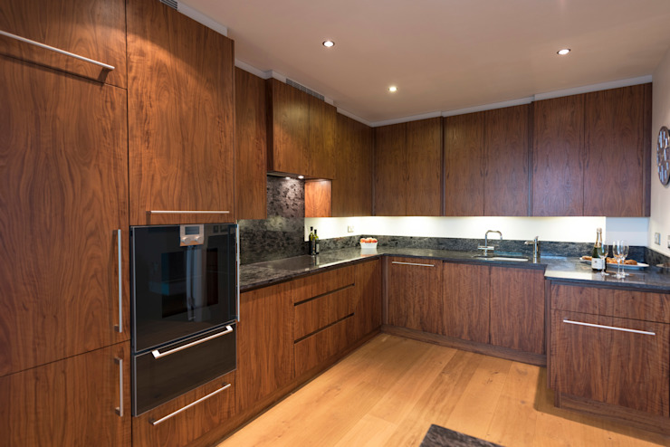 American Black Walnut Vauxhall Kitchen designed and made by Tim Wood Modern Mutfak Tim Wood Limited Modern Ahşap Ahşap rengi