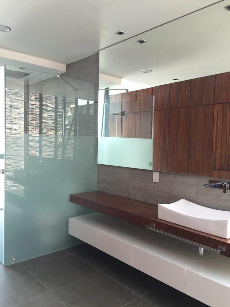 CASA AAB Baños modernos de STAHLBETON DESIGN Moderno