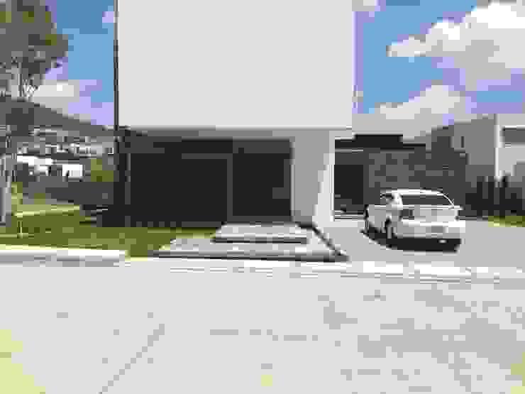 Casas estilo moderno: ideas, arquitectura e imágenes de STAHLBETON DESIGN Moderno