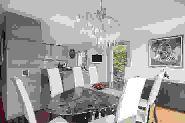 Baltina House Sala da pranzo moderna di studiodonizelli Moderno Marmo